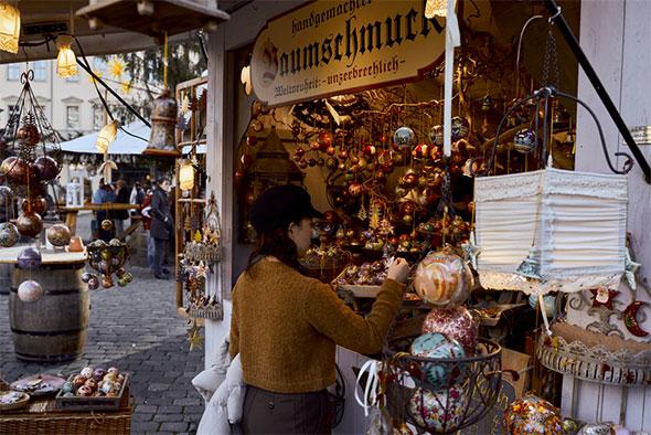 More than just a Christmas Affair - Christmas Trader Info